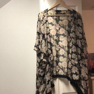 Other - Black Floral kimono